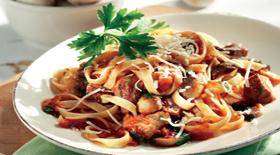 Μοσχαράκι κοκκινιστό με χυλοπίτες Μετσόβου από την μαγειρική «πέννα» του Γιάννη Γκελντή