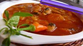 Παραδοσιακή φασολάδα με πιπεριές  από την μαγειρική «πέννα» του Γιάννη Γκελντή