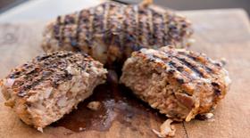 Μπιφτέκι γαλοπούλας από την μαγειρική «πέννα» του Γιάννη Γκελντή