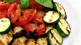 Ψητά λαχανικά με σιρόπι απο βαλσάμικο ξίδι απο την μαγειρική «πέννα» του Γιάννη Γκελντή