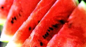 Καρπούζι : το φρούτο του καλοκαιριού που προστατεύει και τα αγγεία μας