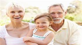 Πώς οι παππούδες κακομαθαίνουν τα παιδιά