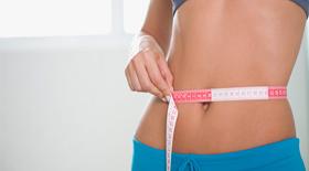 Θέλετε να χάσετε βάρος; Μήπως αρκεί αντί για πολύπλοκες δίαιτες να τρώτε λιγότερο;