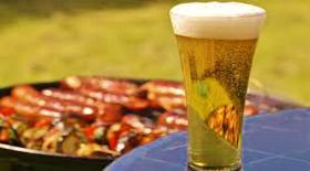 Πώς η μπύρα θα μπορούσε να «σώσει» τη ζωή όσων λατρεύουν το μπάρμπεκιου!