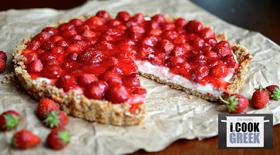 Cheesecake με ανθότυρο και μαρμελάδα φράουλα