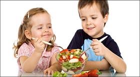 Οι 8 καλύτερες τροφές για μωρά και μικρά παιδιά