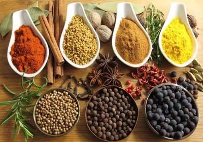 Κορυφαία Αντιφλεγμονώδη τρόφιμα, βότανα, και μπαχαρικά