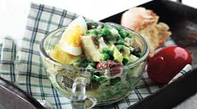 Πασχαλινή σαλάτα με αυγά και βραστά λαχανικά