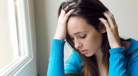 8 βότανα και συμπληρώματα που συμβάλουν στη θεραπεία της κατάθλιψης