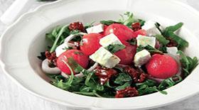 Σαλάτα ρόκας µε καρπούζι και φέτα