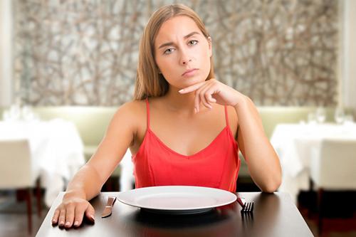 Γιατί τρώμε ενώ δεν πεινάμε;